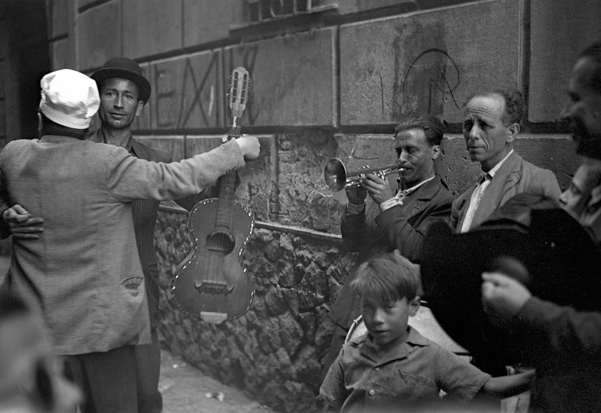 Federico Patellani, Ballo in strada, Palermo1947