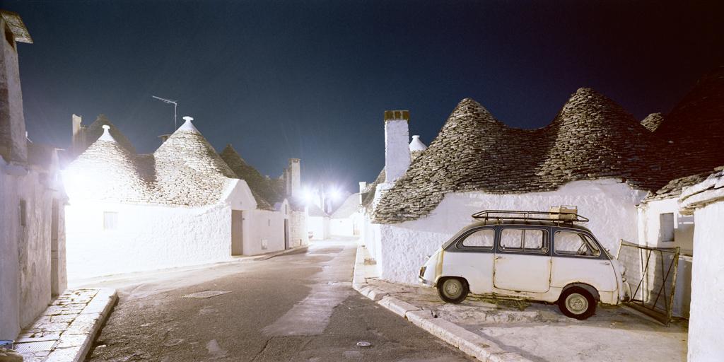 Alberobello Bari, 1986 © Olivo Barbieri