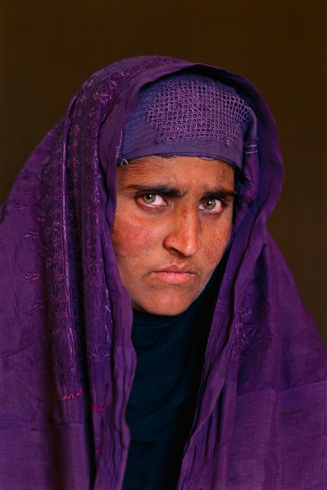 1.Steve McCurry, Ragazza Afgana (2002)_bis