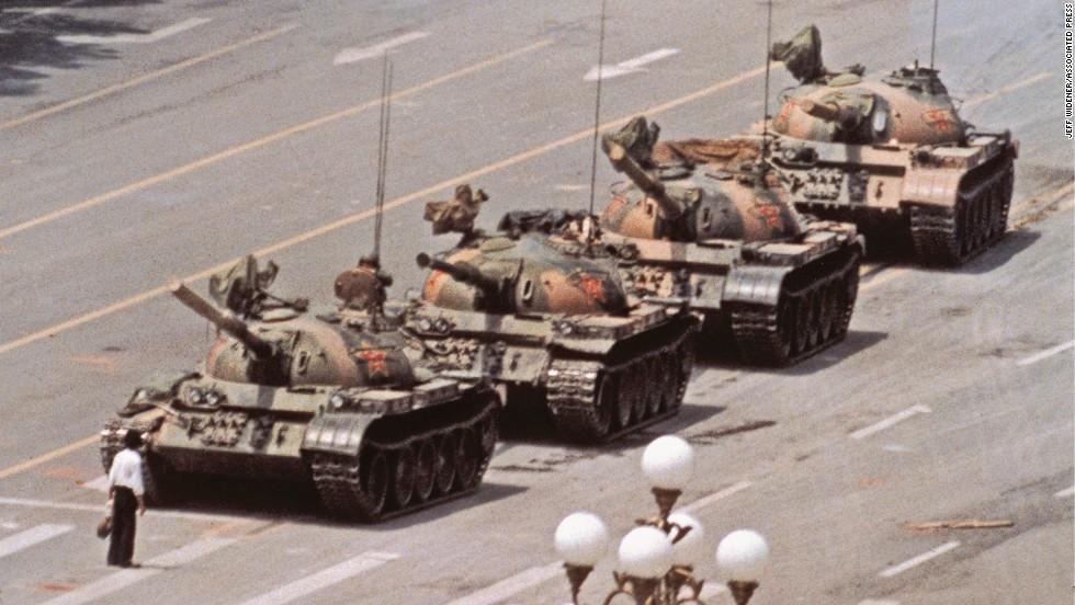 2.Jeff Widener, Tank Man (1989)